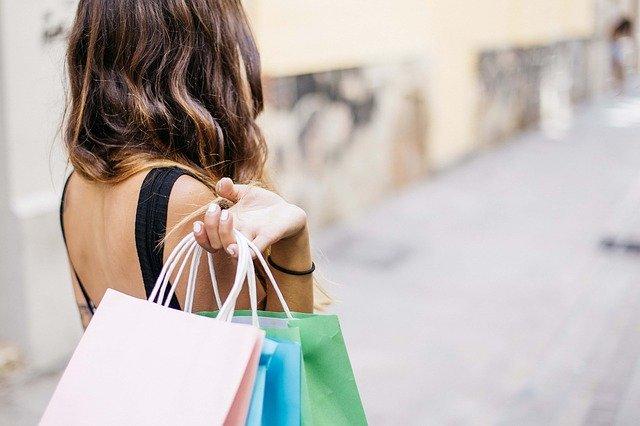 w co spakować zakupy?